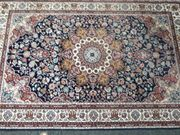 Schöner Teppich noch nie benutzt