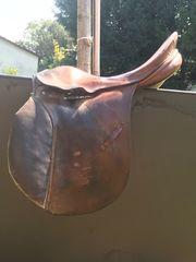Sattel für Holzpferd