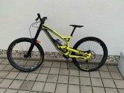 YT Downhill bike Tues 27