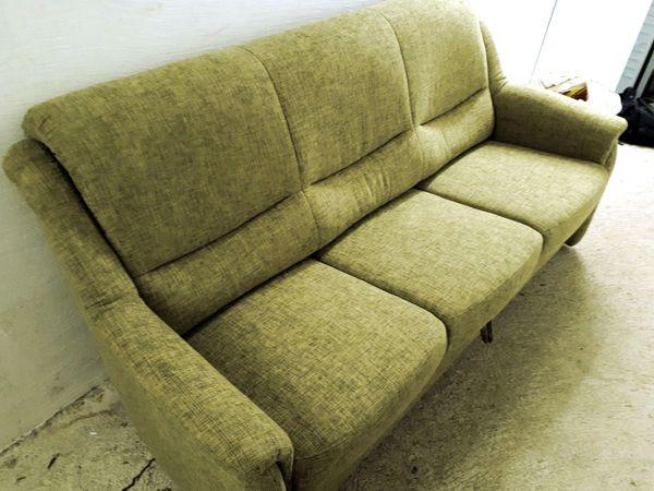 sofa neuwertig 3-sitzig