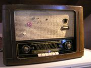 Altes Radio Grundig Type 2043