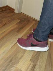 Nike Schuhe 42 Gr