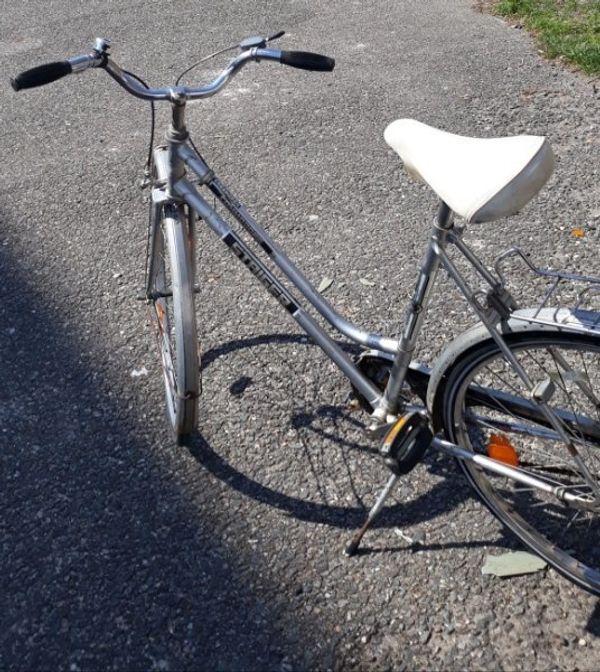 Altes Damen Fahrrad Rad 26