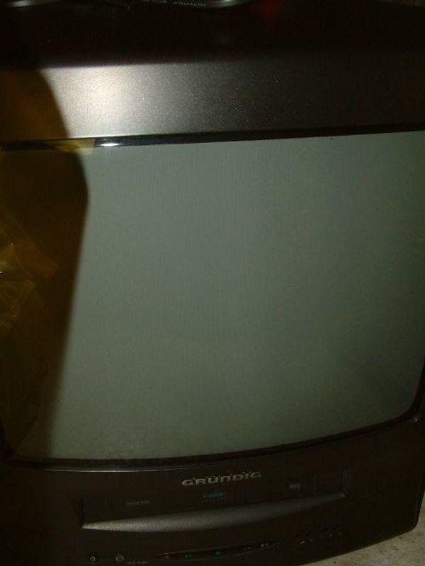 kleineren tragbaren Grundig Röhren Fernseher