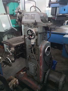 Konventionelle Fräsmaschine Maho SK 250: Kleinanzeigen aus Gottmadingen Bietingen Gzg - Rubrik Produktionsmaschinen