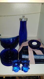 Blaues Glasgeschirr
