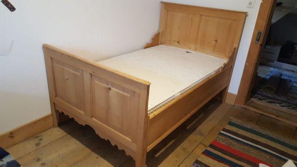 Antikes Holzbett Bauernbett