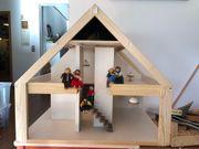 Sehr schönes Puppenhaus aus Holz