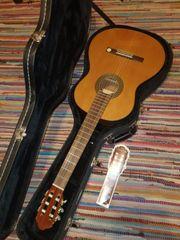 neue Konzertgitarre