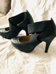 schwarze High Heels von Kayla