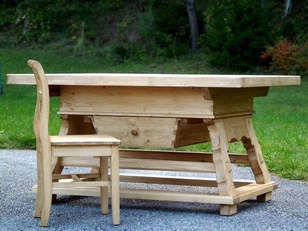 Jogltisch Massivholz vom Tischler gefertigt