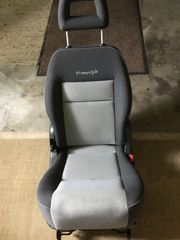 Klappbarer Sitz für VW Sharan