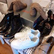 7 Paar Damenschuhe Nike Gabor
