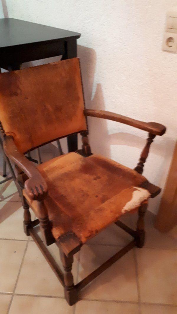antiquarischer Vollholzstuhl aus Nachlass aus