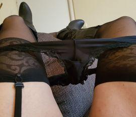 Er sucht Ihn (Erotik) - Sexy DWT lässt sich verwöhnen