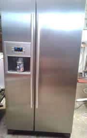 Kühl-Gefrier-Kombination side-by-side mit Eismacher und