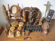 Alte geschnitzte Holzfiguren und sonstige