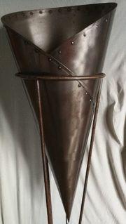 Einzelanfertigung Metall Stehlampe