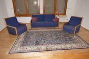 Sitzgruppe aus Couch und 2
