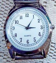 Flache Edelstahl-Armbanduhr gut ablesbar Batterie
