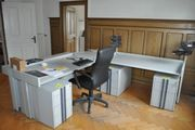 Büromöbel - Eckschreibtisch - Korpusse - Stühle