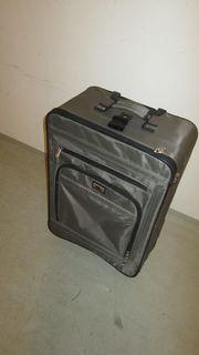 Koffer Trolley mit Rollen und