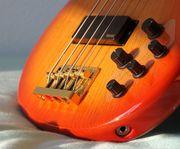 Suche groovigen Bass Player