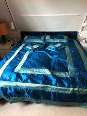 Retro Bett mit elektrischen Lattenrosten