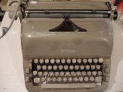 Schreibmaschine ADLER