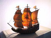 Mayflower beleuchtetes Schiff