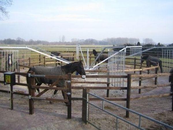 Biete Horsewalker Führanlagen in vielen