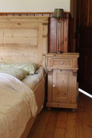 Antikes Schlafzimmer frisch restauriert