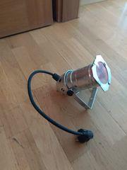 Scheinwerfer für ROT-LICHT