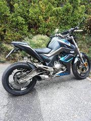 Zones 125ccm Motorrad