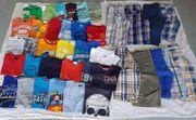 Jungen Kleidung und Schuhe zu