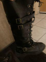 Schwarze Kunstleder Stiefel Größe 38