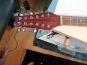 Gitarren und Banjo sowie Syntheziser
