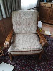 Stuhl und zwei Sitzer
