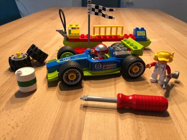 Lego Duplo Rennauto zum Selbstmontieren