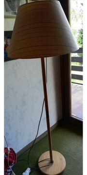 Stehlampe Kiefernholz mit Stoffschirm