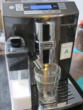 DeLonghi ECAM 28 467 Primadonna: Kleinanzeigen aus Aspach - Rubrik Kaffee-, Espressomaschinen