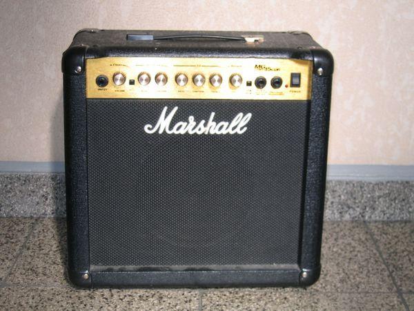 MARSHALL Gitarren Verstärker Combo MG-15