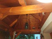 Schönes Holzvordach
