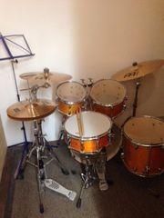 Komplettes Schlagzeugset