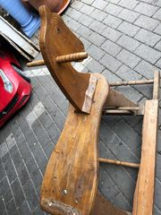 Holzpferd schaukelpferd