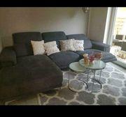 Neuwertige Couch abzugeben