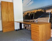 Büromöbel in Erle Massivholz - Schreibtisch