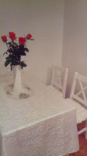 Schönes Tisch 120x60 mit 4