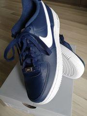 Nagelneue Leder Nike Air Force