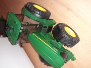 Traktor John Deer